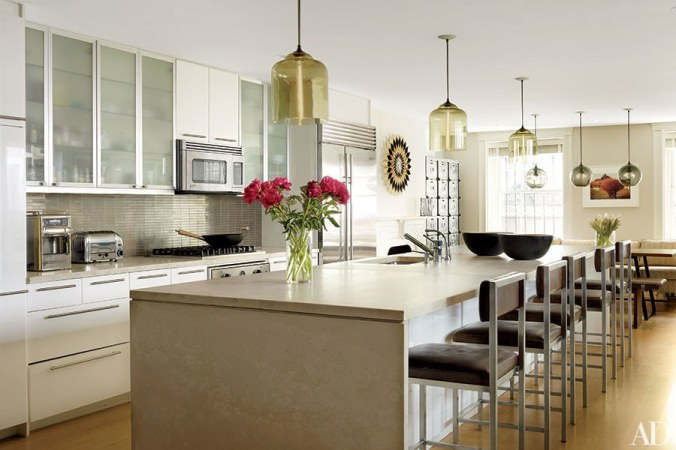 dam-images-decor-2015-06-kitchen-islands-great-kitchen-islands-roundup-08.jpg